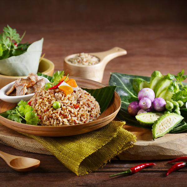 Thai Spicy Shrimp Paste Fried Rice